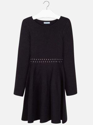 Платье с  отделкой на поясе